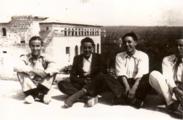Foto Sant Jordi Escola mitjan segle XX