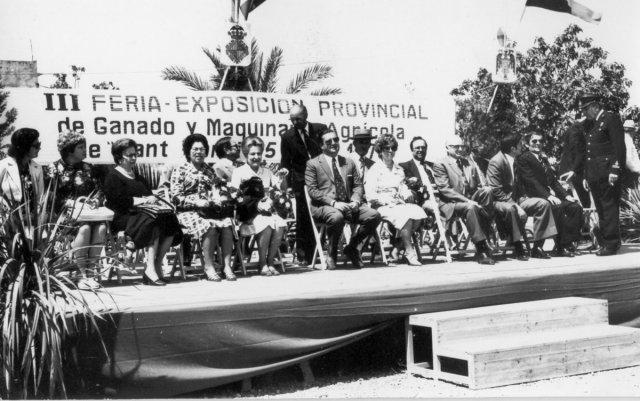 Mateu Campet 1976 Fira Ramadera presidint a segona fila